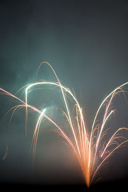 Allemagne Amburgo Deutschland Feuerwerk Fireworks Fuochi Hambourg Hamburg Neujahr Silvester Arts Culture And Entertainment Blurred Motion Capodanno Close-up Firework - Man Made Object Fuochi D'artificio  Fuochidartificio Germania Germany Glowing Illuminated Long Exposure Motion Nature Night No People Outdoors Pyrotechnic Pyrotechnics Pyrotechnik Pyrotechnique San Silvestro Silvestro Sky