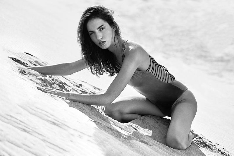 One Person Beautiful Woman Sand Full Length One Woman Only Beauty Beautiful People Only Women Leisure Activity Outdoors Women Day Beach One Young Woman Only Adults Only Adult Abdomen Young Women Human Abdomen EyeEmNewHere