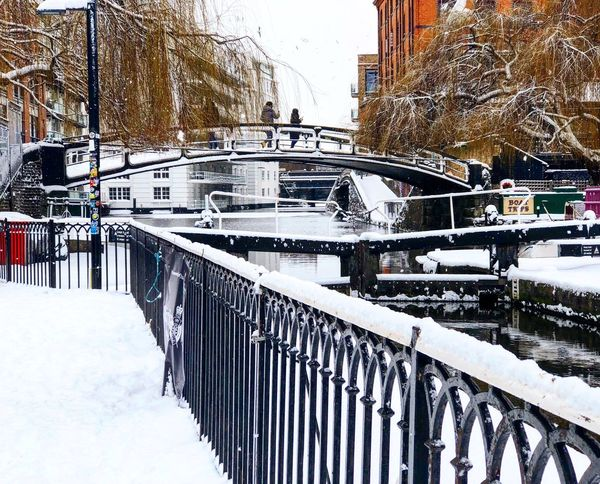 The famous Camden bridge Camdenbridge Camdenmarket Camden Town Londonsnow London Snow Bridge Winter Cold Temperature Weather Architecture Built Structure Building Exterior Snowing No People Day Outdoors Frozen Sky