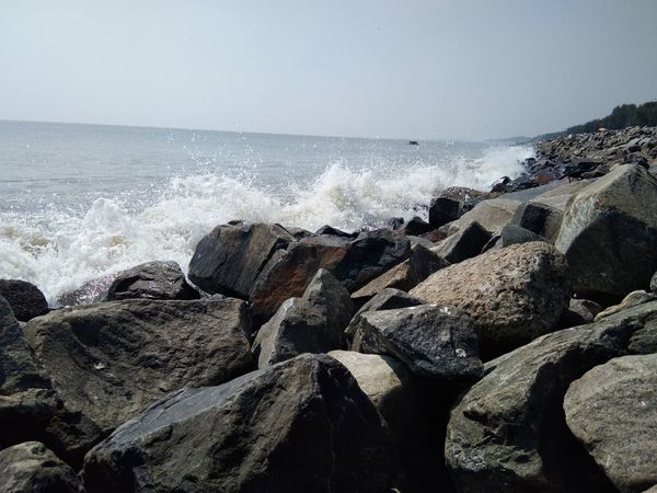 Awesome scenes during the tide of the clicked by vivo smartphone.... Sea Beach Water Horizon Over Water Nature Wave Beauty In Nature Sand Scenics Outdoors Pebble Beach