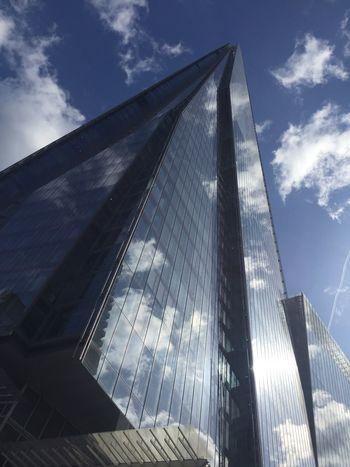 The shard cloud reflection Shard Shard London Bridge Shard London London Skyscraper Clouds Reflection Development Building Exterior Glass Blue Sky Mirror Pyramid Reflctions Modern Modern Architecture Architecture Uk