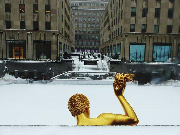Rockefeller Center Ice Rink Snowing Winter Snowstorm Snowday Blizzard2017 Blizzard 2017 Stella Blizzard New York City