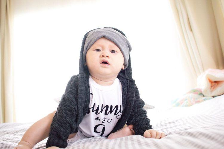 Moody baby Babybad Babyinmotion Babyinbedroom Babyboy Baby Babyhood Babylove Babyphoto Babyassassin Portrait Babies Only