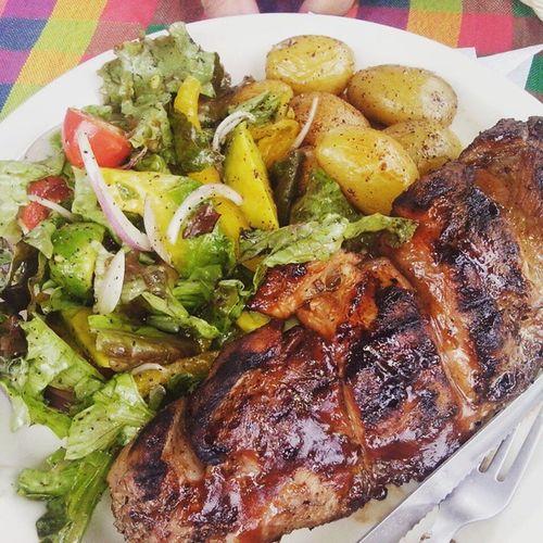 Deliciosa Costilladecerdo en Restaurantenirvana Comasagua Diadelasmadres foodporn @eat503 @comiendo_en_sivar