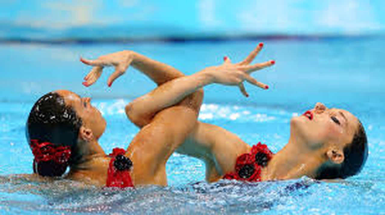 swimming pool, water, sport, swimming, exercising, day, outdoors, togetherness, healthy lifestyle, competition, sports team, teamwork, athlete, competitive sport, sportsman, young adult, people, adult, adults only
