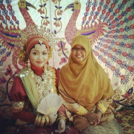 Kak Vithe's wedding party. Selamat menyempurna kak. Pinrang INDONESIA Sulawesiselatan Bugis Gowa Makassar Culture Custom Traditional Perempuan