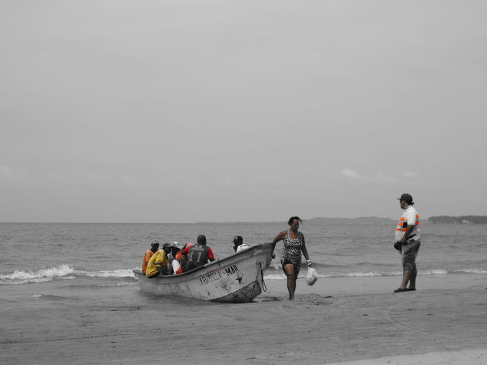 Beach Photography Fishermanslife Fisherman Boat Teamwork Taking Pictures Enjoying Life Summertime From My Point Of View Editing Adults Only Day Full Length Horizon Over Water Nautical Vessel Outdoors People Sea Sky Water