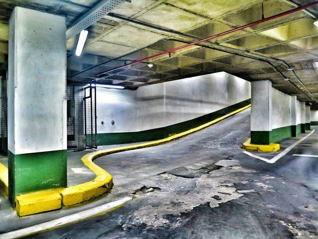 Car Park Parkhaus Parkhouse  Yellow And Green Dynamic Lines