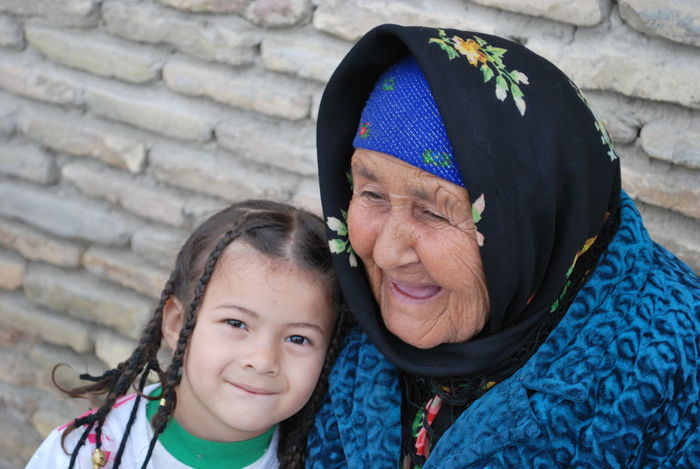 Taking Photos Traveling Uzbekistan Peoplephotography Children Photography People The Portraitist - 2017 EyeEm Awards EyeEmNewHere Press For Progress Togetherness Two People Portrait Love Real People Senior Adult Looking At Camera Childhood This Is Aging