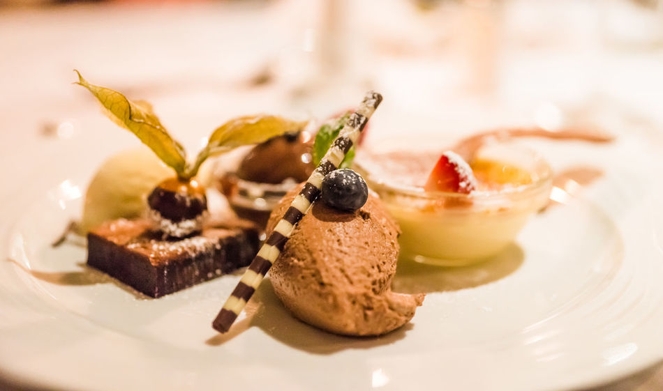 Appetizing  Chocolate Dessert Close-up Dessert Focus On Foreground Food Food And Drink Food Styling Freshness Fruit Garnish Healthy Eating Indoors  Indulgence Plate Ready-to-eat Selective Focus Serving Size Snack Still Life Sweet Sweet Food Table Temptation Wellbeing