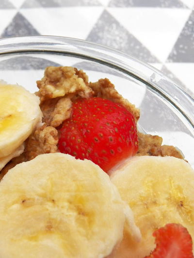Fruit Dish Cereals Food Strawberry Red Parts Banana Banana Parts Transparency Graphic Background Healthy Eating Ready-to-eat Still Life Temptation Bowl Close-up