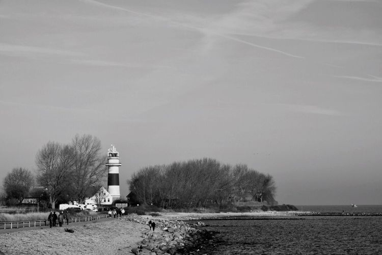Leuchtturm Bülk bBuilt StructurebBuilding ExterioroOutdoorsnNo PeopleNNaturekKielkKieler FördeLLighthouseSSchleswig-HolsteinDDeutschlandBBBaltic SeaBBBalticseabBlackandwhiteBBlack & WhitebBlackandwhite Photography Lost In The Landscape Shades Of Winter