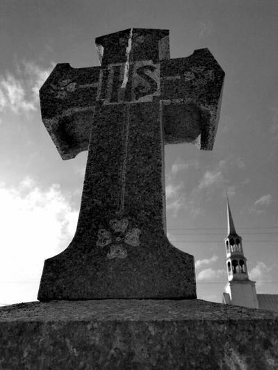 Sculpture Memorial Monument History Cemetery Spirituality Sky Architecture Grave Gravestone Graveyard