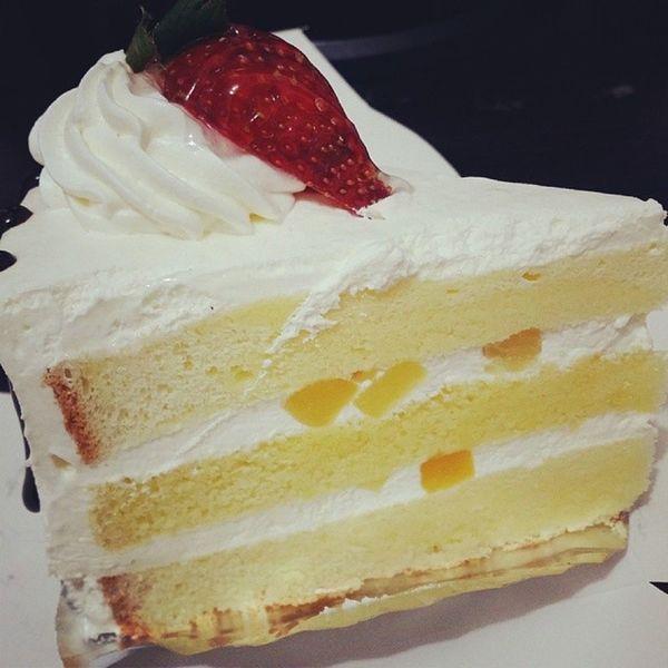 먹스타그램 딸기 케이크