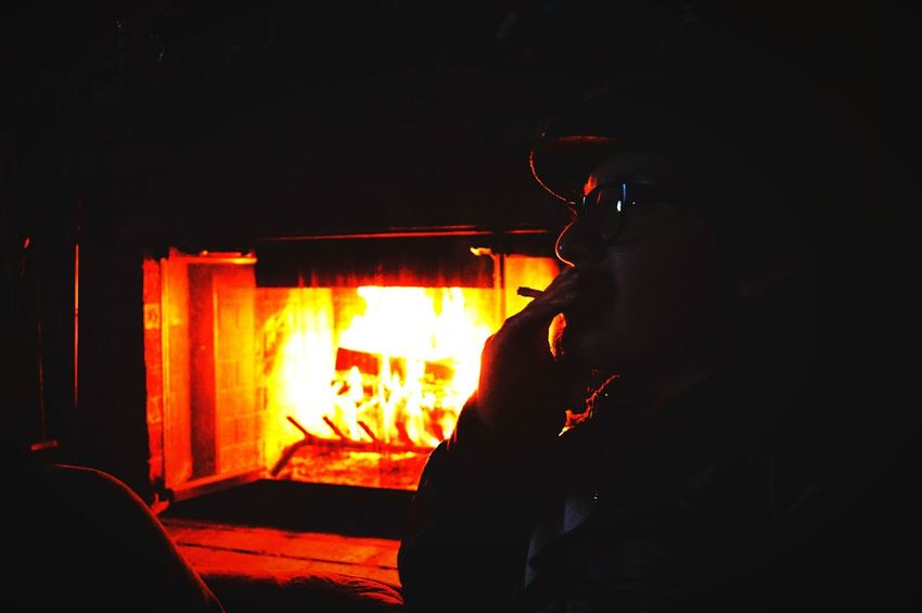 The CaveMen neva had it this good Relaxing Hanging Out Photography Art Newyearseve Family Fireplace Newyork Newyear2014