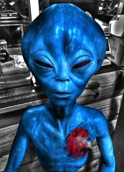 https://youtu.be/gA8AiC9tIDE For The Love Of Aliens The Impurist Brokenhearted Alien Nation Not👽human YOU BLUE ME AWAY...... No People Statueporn Black And White Vs Color Colorsplash The Places I've Been And The Things I've Seen Musical Photos For My Sister