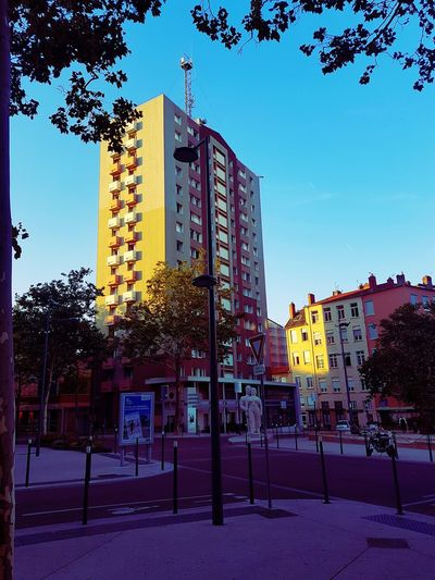 Outdoors Building Exterior Architecture No People Sky Architecture France🇫🇷 Lyon Road Road Sign Croix Rousse Shadow Street City