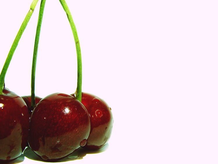 🍒 Cherry series 4️⃣ Cherryred Cherry Cherries Cherries🍒 Fruits Fruits ♡ Summertime Food Food Photography Foodphotography White Background Red Cherry Red Fresh Taste Of Summer  Close-up Visual Feast