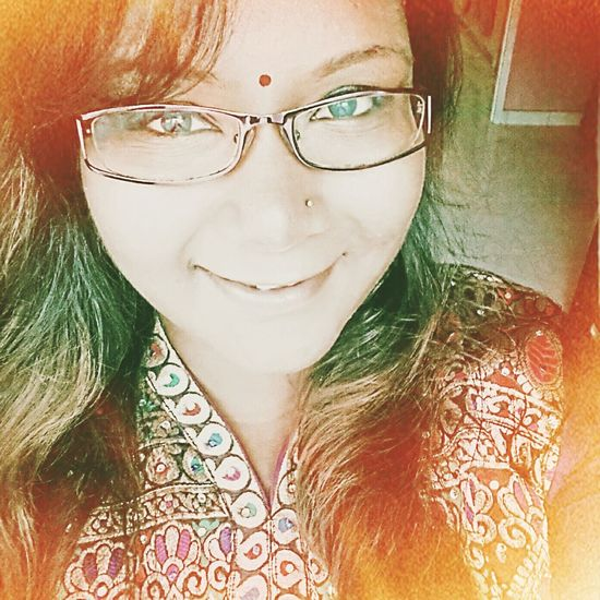 Selfie ;) Indian Girl Colourful Smile :)