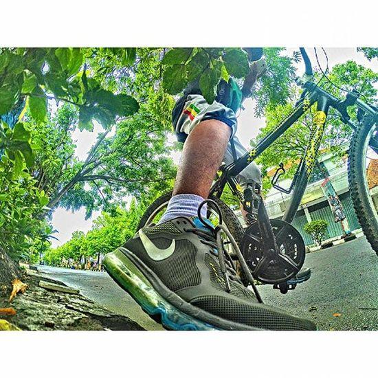 • Sugeng Enjing • 💪🚵 . . . Shoot Bike Work Lamongan Nikeairmax Nike Xiaomiyi Xiaomiyiindonesia Xiaomiyi_id
