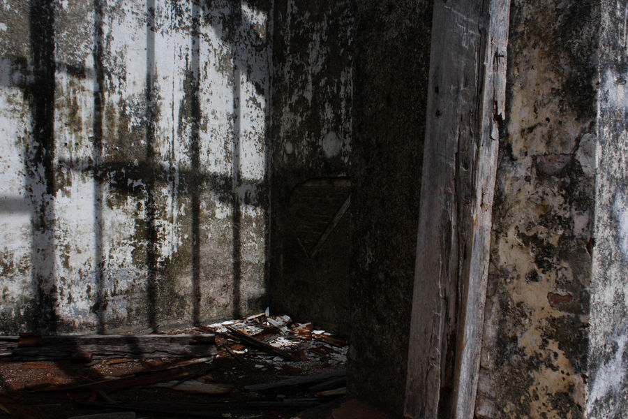 Abandoned Bad Condition Day Indoors  No People Obsolete Old Ruin Shadow Sunlight And Shadow Urban Decay Weathered Wood - Material