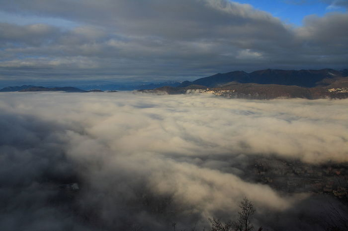 Canon Eos 1000d Cloud - Sky Clouds Clouds And Sky Cloudy Lugano, Switzerland Showcase: January Sunrise View From The Peak Through The Clouds Above The Clouds Landscape TICINO ♡ Switzerland Mountain Sky Blue From Above