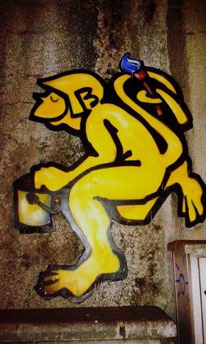Düsseldorf Streetart @TahleKing I Love This Monkey