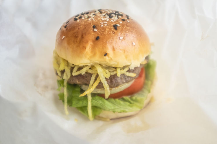 Food Sandwich Food And Drink Burger Fast Food Freshness Bread Ready-to-eat Close-up Hamburger Unhealthy Eating Bun Still Life Indoors  No People Vegetable Indulgence Lettuce Take Out Food Temptation Snack CheeseBurger