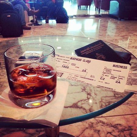 Dubai UAE Tunis Tunisia Airport Aeroport Business Travel Voyage Whisky Chivasregal Passeport Chivas_regal 25_ans_d_âge 25ans 25_years_old Chivas Regal