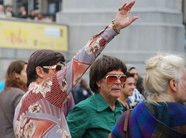 60s Fashion Celebration Day Excentrict Outdoors People Real People Rock And Roll Sunglasses Togetherness