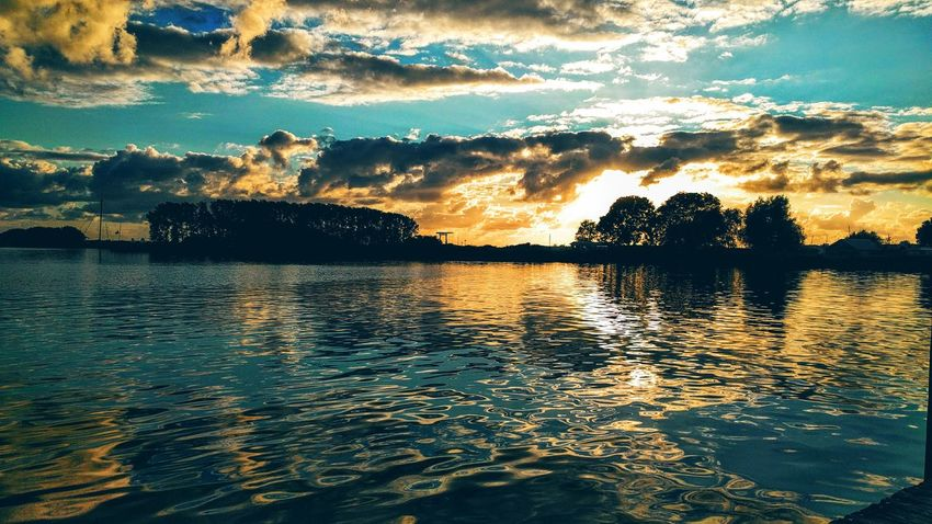 Dark Sunset, Akkrum