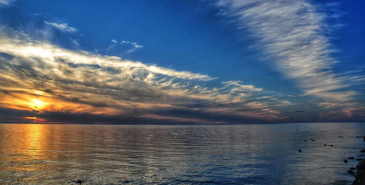Another summer memory ... as I hear the winter winds howling outside Wednesday Sky My Cloud Obsession☁️ For My Friends That Connect Water_collection Sky Collection Sunset_collection Water Reflections EyeEm Nature Lover Vanishing Point Hdr_Collection