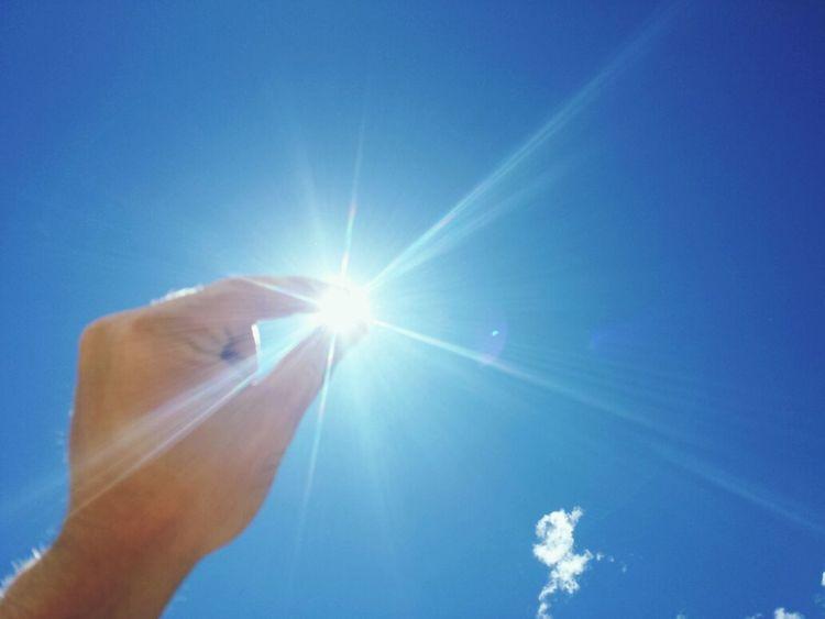sujetando el sol Euskadi Gasteiz / Vitoria Cielo
