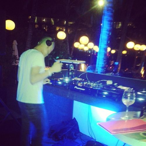 Happening now @woobar @Whotel Bali Raysoo Sunset