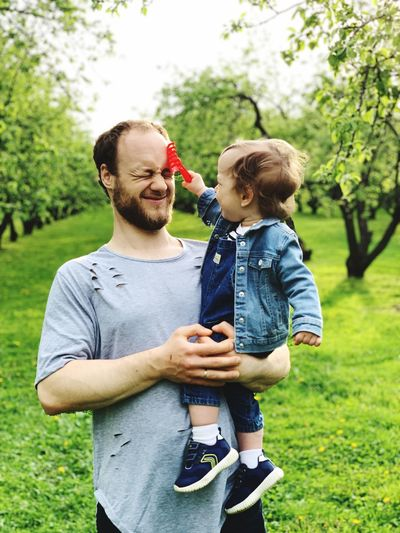 Son & dad Dad Men Males  Plant Togetherness Childhood Real People Child Emotion Family With One Child Family Love People Bonding Lifestyles Casual Clothing Father Leisure Activity Positive Emotion Son Outdoors