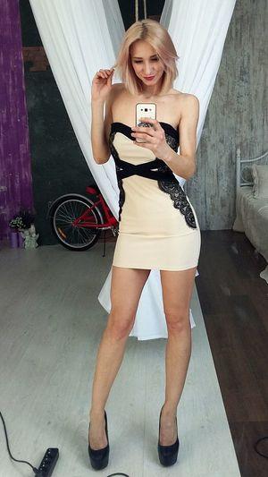 Young Women Wireless Technology Technology Photo Messaging Full Length Portrait Beautiful Woman Selfie Standing Mobile Phone