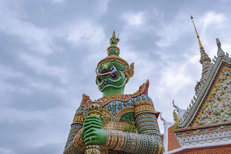 Ancient Architecture Giant Giant Panda Holiday Monastery Ramakien Statue Travel Wat Arun Architecture Art Batons Buddhism Cloud - Sky Landmark Place Of Worship Religion Religious  Sculpture Spirituality Statue Temple Traditional Vacation