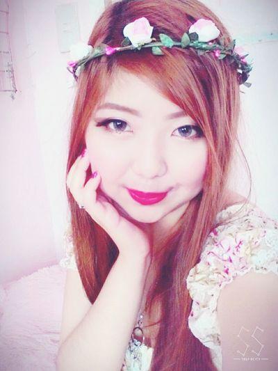Flower girl? Lol Xd Selfie ✌ CHUBBY CHEEKS :) Kawaii? Makeup ♥ Selca