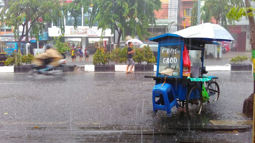welcome Rainy Season EyeEm Indonesia Mobilephotography Indonesian Street (Mobile) Photographie Indonesia Culture Banjarmasin