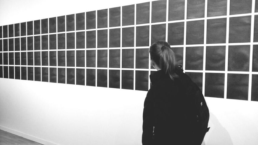 I think that this is also some kind of Huygens illusion Museum Exhibition Interesting Rear View Black&white Sony Xperia M2