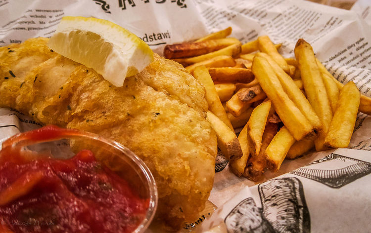 Gran and Go - Fish and Chips Close-up Deep Fried  Eat Fast Food Fish Fish & Chips Fish And Chips Fish Market Fishandchips Focus On Foreground Food Food On The Go Food Photography Food Photogrphy Foodie Foodie Heaven Foodphotography French Fries Grabngo Indulgence Ready-to-eat Selective Focus Served Street Food Worldwide Streetfood