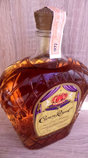 Crown Royal Wisky Wiskey Drinking Drinking With Friends Relaxing Relaxing Time Crownroyal Taking Photos