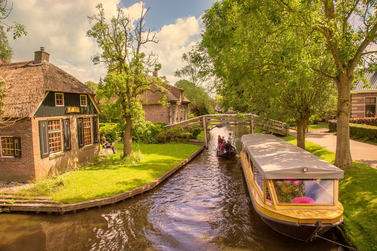Canal Cloud Cloud - Sky Day Giethoorn Green Color Growth Nature Nederland Outdoors Sky Summer Tourism Tourist Attraction  Tree Village Water