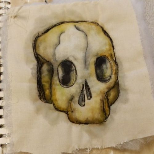 More skulls. Aleveltextiles Arttextiles Art Arty artsy sewingmachine calico watercolour wadding skull vanitas