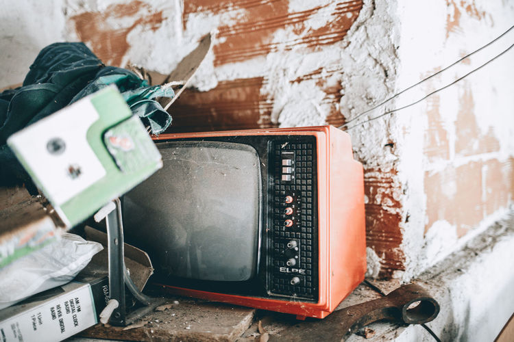Grand pa's old TV Avila El Hornillo Gredos Weathered Abandoned Atmospheric Mood Attic Cable Electrical Equipment Old Television Old Tv Technology Television Tv Tv_urbex Vintage Vintage Electronics Vintage Tv