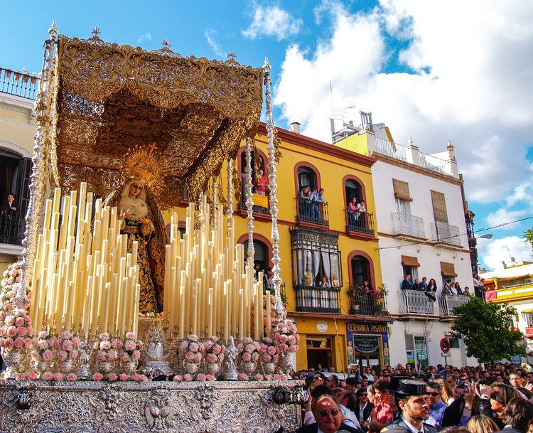 Semana Santa en Sevilla. Andalucía. España. Semana Santa Tradiciones Semanasanta Fotocallejera Streetphotography Sevilla Seville Andalucía Andalusia