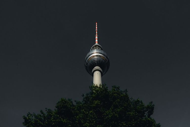 - BERLIN DAYS - Berlin Photography Check This Out The Architect - 2018 EyeEm Awards The Traveler - 2018 EyeEm Awards Architecture Building Building Exterior Built Structure City Communication Global Communications Illuminated Low Angle View No People Outdoors Sky Sphere Spire  Tall - High Technology Tower Travel Travel Destinations