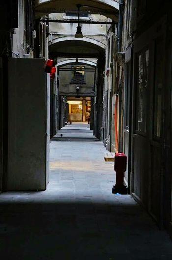 Venice, Italy Createexploretakeover Eyeem Photography Streetphotography Urbangrammers HSDailyFeature Moodygrammer Darkalley
