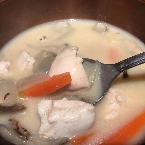 今日のマカナイはホワイトソースの残りを使ってクリームシチュー。寒い日には最高だねd(^_^o) グルメ 福山 居酒屋 賄い
