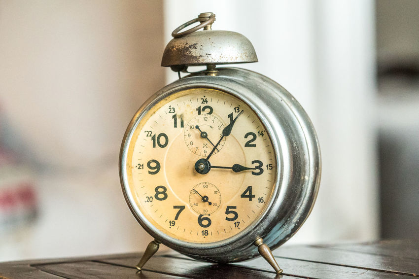 Vintage alarm clock Awake Countdown Deadline Good Morning World! Good Morning! Good Morning✌♥ Napping Stress Wake Up Time Waking Up Waking Up Early WakingUp Alarm Alarm Clock Close-up Good Morning Indoors  Laziness Mornig Pressure Timer Vintage Wake Up Wake Up! Wake Up.
